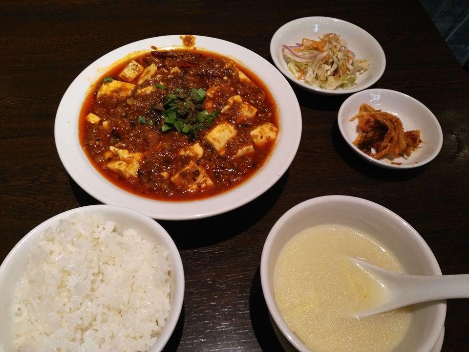 中国家常菜 燕郷房(ヤンキョウファン)のランチの麻婆豆腐定食